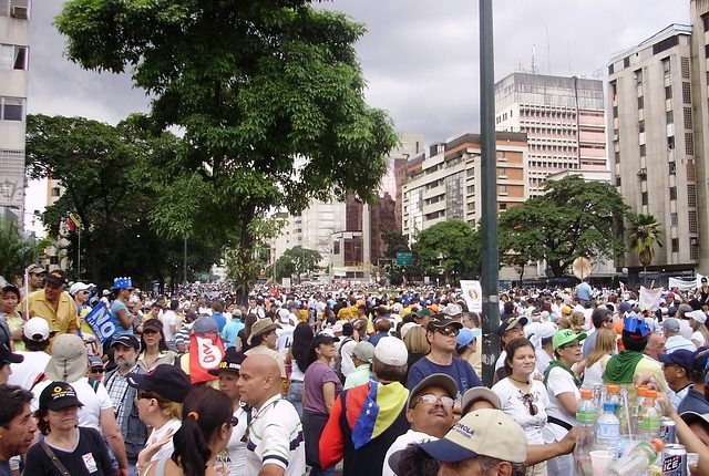 marches-563885_640