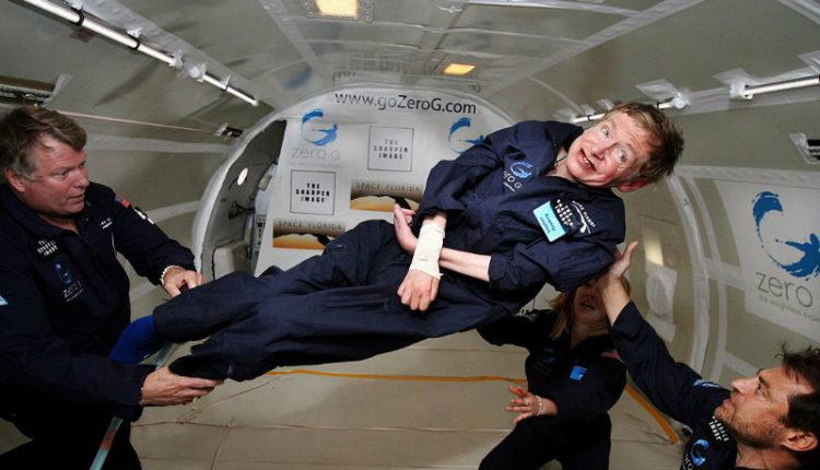 1024px-Physicist_Stephen_Hawking_in_Zero_Gravity_NASAs