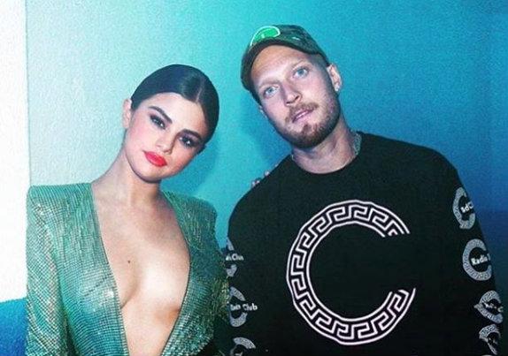 Selena Gomez sin sostén / Fuente: Instagram @selenagomez