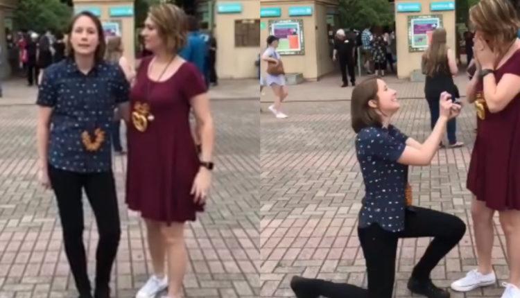 Pareja de lesbianas y su adorable propuesta de matrimonio/ Fuente: Facebook: @Jessagillespie