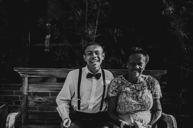 abuela apoya a la comunidad LGBT / Imagen iliustrativa- Fuente: @Pexels