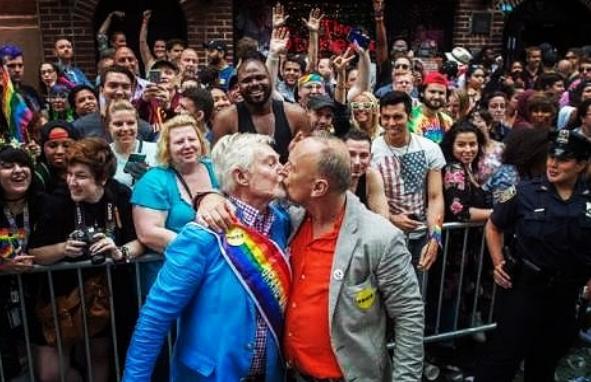 residencia para ancianos LGBT/Fuente: Instagram @50shadesofgayofficial