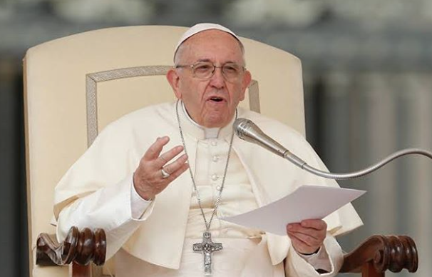 Papa Francisco asegura que los gay no son bienvenidos en clero católico