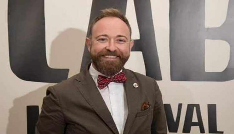 Javier Vilata ocultó homosexualidad